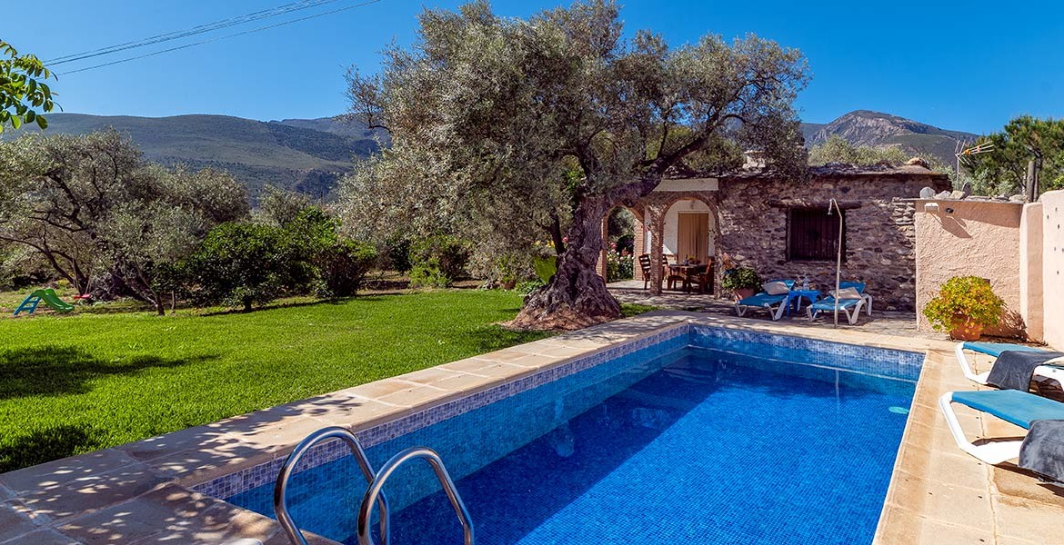 AL14_Two bedroom country property_Orgiva_06