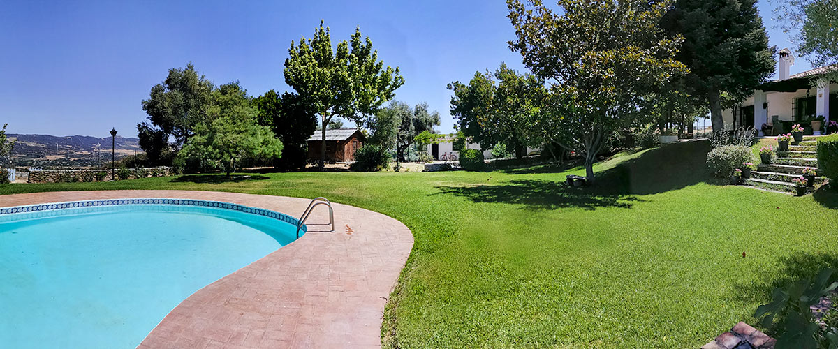 RM22_Four bedroom house with beautiful gardens in Ronda_06